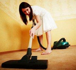 Quemar calorias aspirando la alfombra
