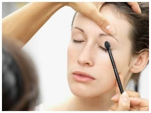 Como aplicarse el maquillaje
