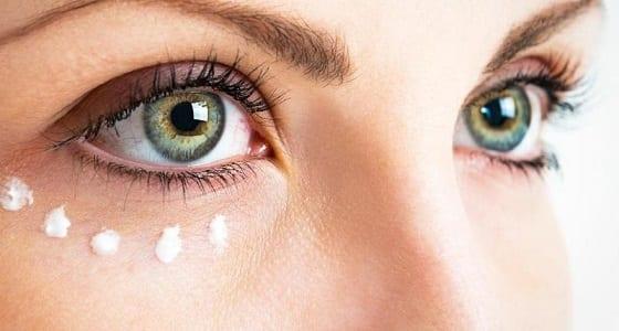 Como eliminar las bolsas bajo los ojos